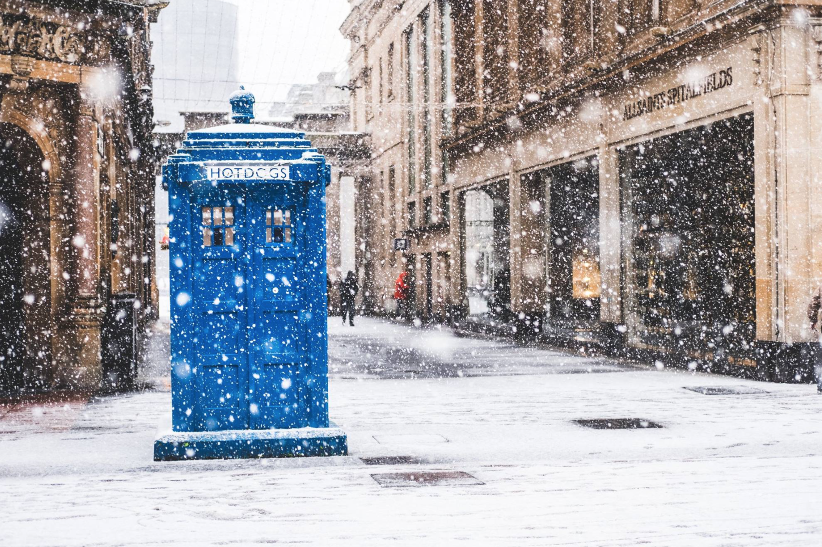 Tardis on Buchanan Street ©Samuel F.