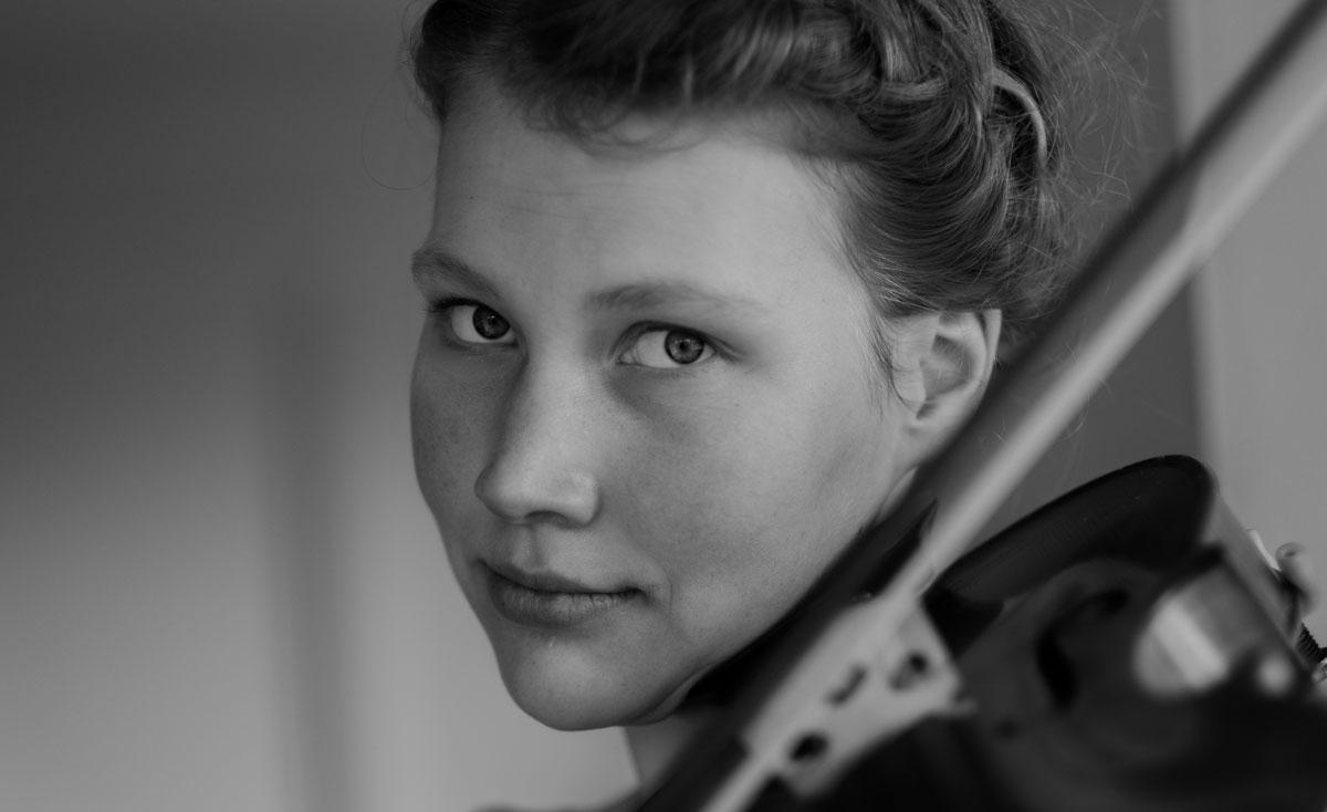 The Viola Player ©Samuel F-6
